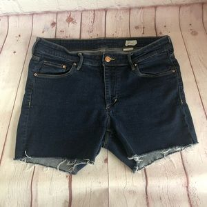[H&M] dark wash denim cutoff shorts size 32